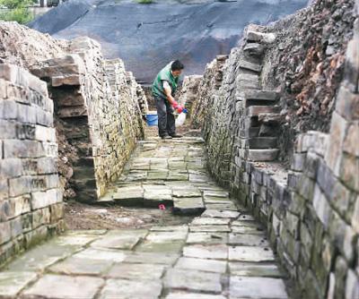 成都市中心发现千年古寺