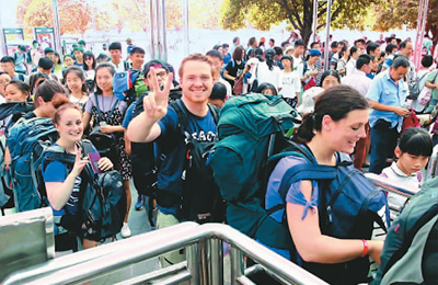 火爆黄金周助燃中国旅游业