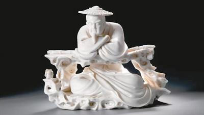 """全国工艺美术作品展""""分别在中国国家博物馆和上海龙现代艺术中心举办."""