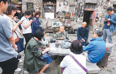 两岸媒体中原感受乡村振兴——大陆村官比台湾里长难当多
