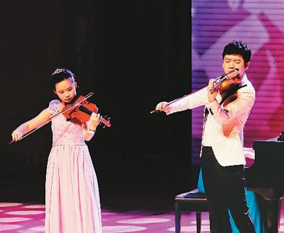 """首届听障儿童""""25分贝公益音乐会""""在京举行"""