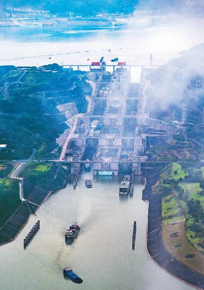 三峡枢纽货运通过量破亿吨