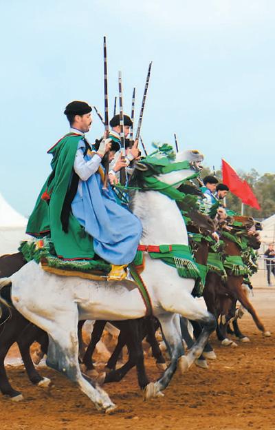摩洛哥杰迪代马术节举行