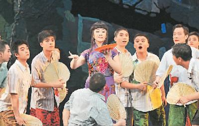 """最风流的女人_武汉京剧院创新当代题材创作,""""汉口女人""""秀出时代风流"""