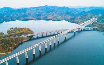 武汉至十堰高铁开通