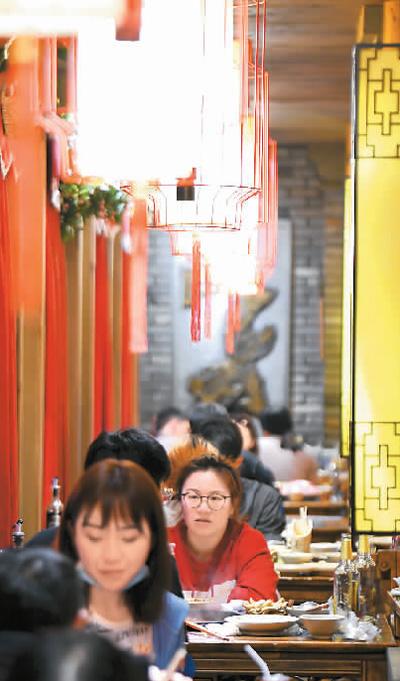 外卖拉动餐饮业七成营收增量
