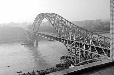 重庆 朝天门长江大桥主体完工 -人民日报海外版-人民网图片
