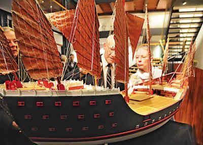 """郑和宝船 郑和下西洋 木质帆船模型; """"郑和宝船""""到德国; 郑和宝船图纸"""
