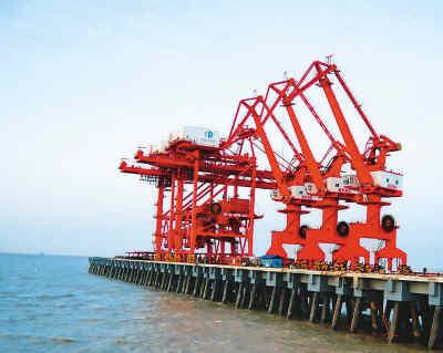 江苏大丰港10万吨级码头通航