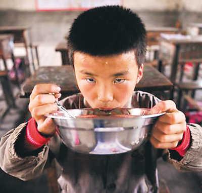 贫穷饥饿儿童图片