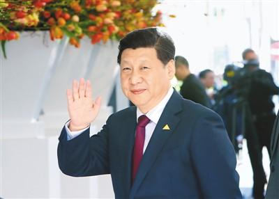 中国核 发展和安全并重 权利和义务并重   安全观 自主和协作并重 治标和治本并重     本报荷兰海牙3月24日电 (记者杜尚泽、丁大伟)第三届核安全峰会24日在荷兰海牙举行。国家主席习近平出席并发表重要讲话,介绍中国核安全措施和成就,阐述中国关于发展和安全并重、权利和义务并重、自主和协作并重、治标和治本并重的核安全观,呼吁国际社会携手合作,实现核能持久安全和发展。   这次峰会以加强核安全、防范核恐怖主义为主题,共有53个国家的领导人或代表,以及国际组织负责人与会。荷兰首相吕特主持会议,