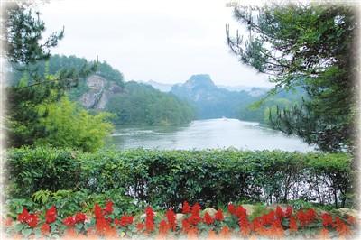 图为福建连城冠豸山风景区