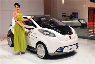 """电动汽车""""叫好""""更要""""叫座"""" - 人在上海 - 中国新闻画报"""