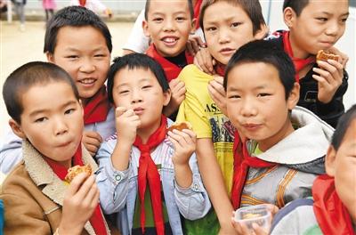 全球客商抢滩新丝路 - 人在上海    - 中国新闻画报
