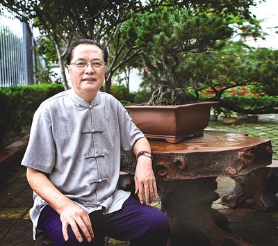 当代紫砂名师杨勤芳——器小乾坤大 承古陶艺新 - 人在上海    - 中国新闻画报