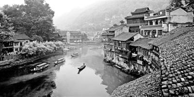 大美湖南:别样潇湘九月红 - 人在上海    - 中国新闻画报