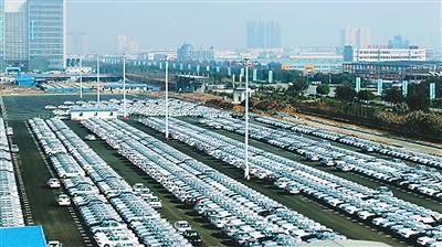 由中国制造的豪华汽车出口美国,这在中国汽车工业史上尚属首次.