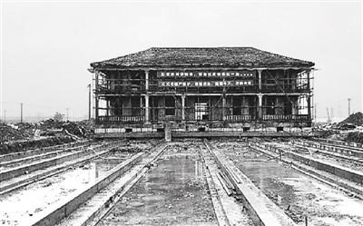"""""""和中国传统的砖木结构建筑不同,它属于砖混结构,拆除就相当于彻底的"""