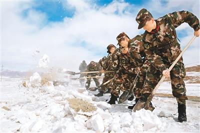 青海玉树:积极抗击雪灾