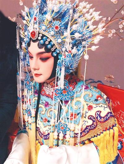 《鬓边不是海棠红》弘扬京剧文化 尹正演绎旦角名伶