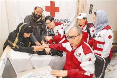 中国医疗队赴阿救助大病患儿