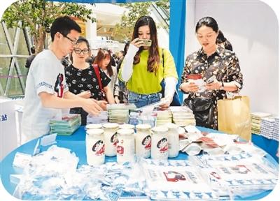 全国茶饮门店已突破了40万家! 奶茶为什么如此走俏?
