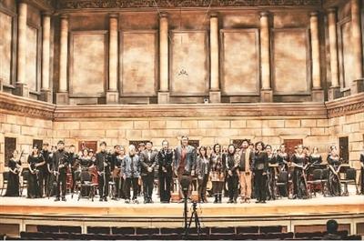 中国乐派少年国乐团亮相伊斯曼舞台