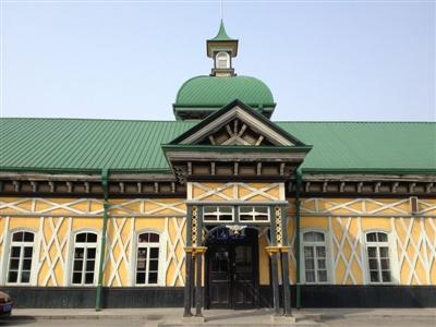 青岛站   青岛站始建于1899年