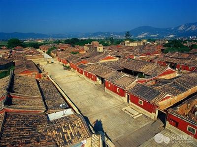 农村红砖瓦房顶效果图
