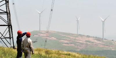"""""""   像鹤壁供电公司一样,服务新能源发展正成为河南各地供电员工的"""
