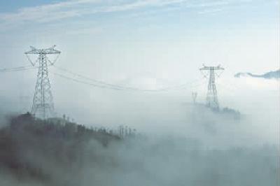 云广±800千伏直流特高压输电线路工程跨越大山区
